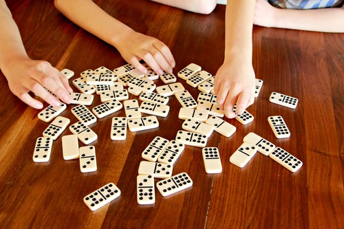 Domino Online 99
